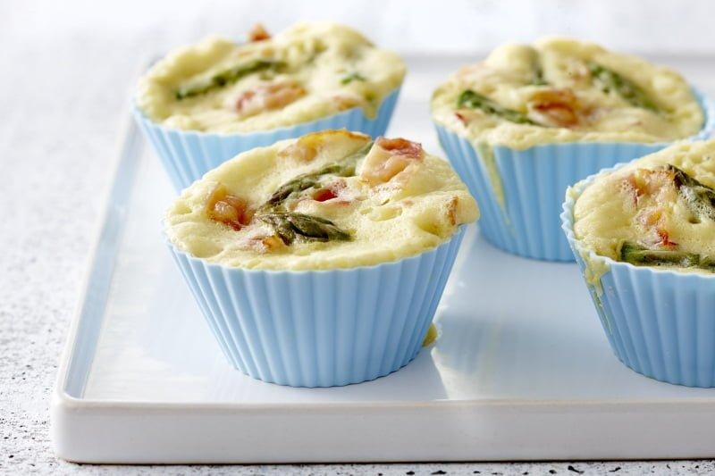 Muffins aux asperges et jambon