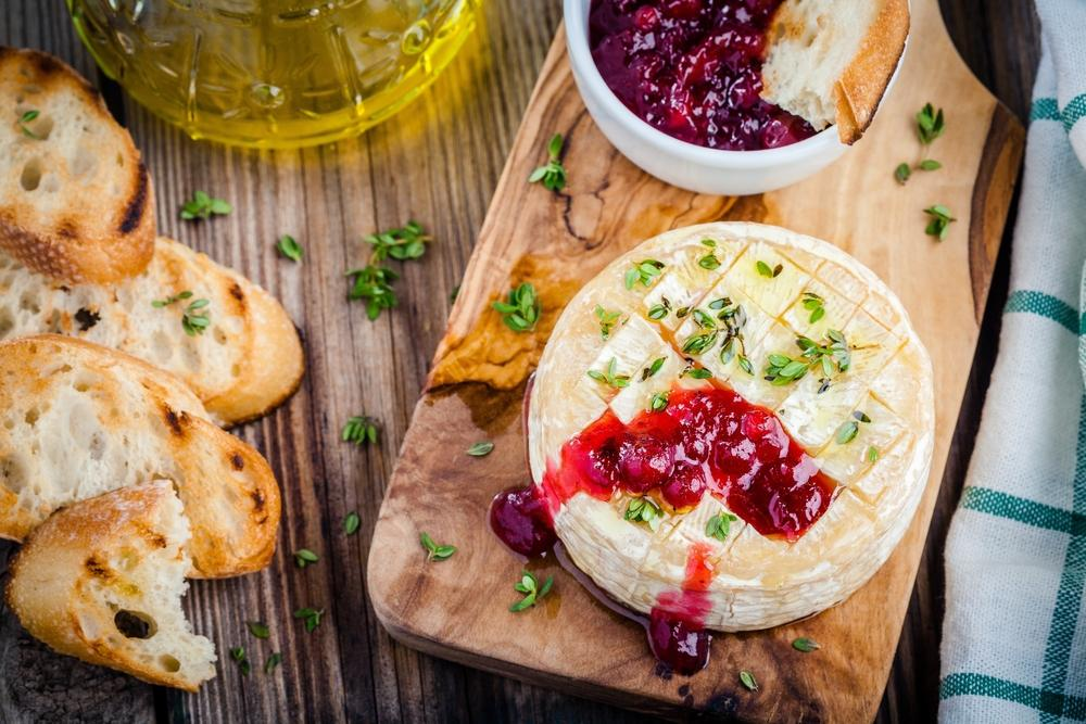 Grilled berry brie