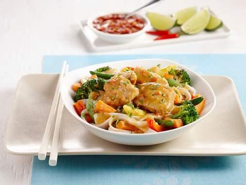 Nouilles sautés au poulet à la thaï