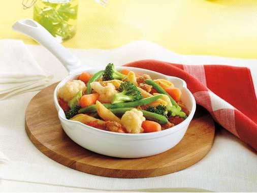 Casserole de pâte et de saucisses aux légumes