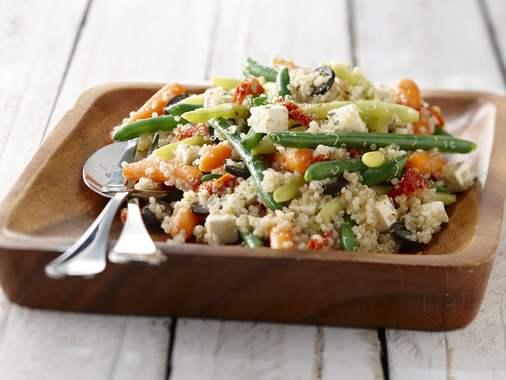 Salade de quinoa aux légumes et à la feta