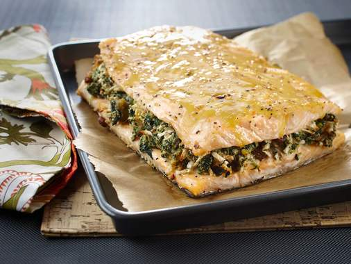 Filet de saumon farci aux épinards et à la pomme