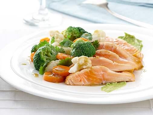 Sauté californien légumes et saumon