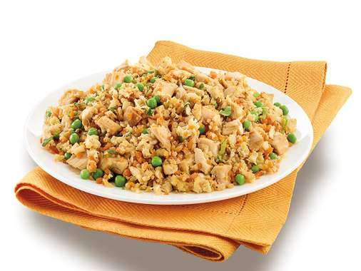 Riced cauliflower stir-fry with chicken and vegetables