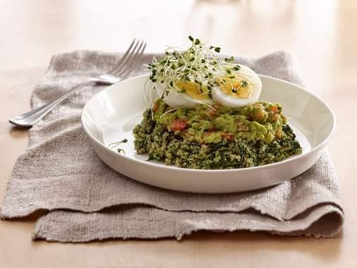 Bol déjeuner au quinoa et épinards